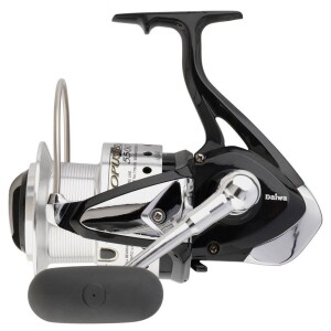 Features of the reel. Rigid metal body and rotor AirBail Twistbuster Infinite-Anti Reverse Micro adjustable front drag ABS aluminium spool Stainless steel main shaft Spare spool supplied Specifications of the reel Model : OPB5500 Gear Ratio : 4.6:1 Weight : 24.2 oz (about 690 gram) Ball bearings : 3 + 1 Line Capacity : 270m / 20lb
