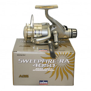 Daiwa Sweepfire Rear Drag Spinning Reels are great quality reels for anglers who are watching their budget. Smooth, ball-bearing drive ABS Aluminum spool Gyro Spin balanced Bran: Daiwa Fishing Locatio: Freshwater