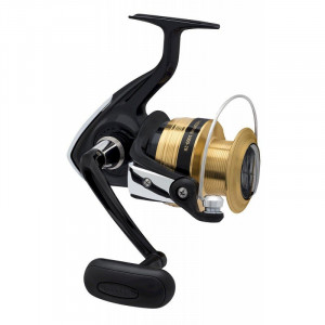 The new Daiwa Sweepfire 5000 2B Spinning Reel is the perfect beginners and holiday surf casters reel. Simple yet tough, the Sweepfire features a graphite composite body and brass gearing for corrosion resistance. Internally its built tough, Daiwas stainless steel ball bearings provide ultra-smooth performance, Digigear for ultimate cranking power and Twistbuster to eliminate line twist. The ABS spool design will release line for high speed casting for incredible distance, then when hooked up the ultra-smooth powerful drag lets you land the fish of a lifetime. If you love the sun, sand and salt of our surf coastline plus want tocatch that fish of a lifetime, then the new Sweepfire 5000 is the reel for you. Daiwa Sweepfire 5000 2B Spinning Reel Features: Graphite body and side plate Digigear II Twistbuster Gear ratio: 4.6 (99cm) Ball bearings: 2 Weight: 620g Drag: 8kg Spool capacity: 6.4kg/370m